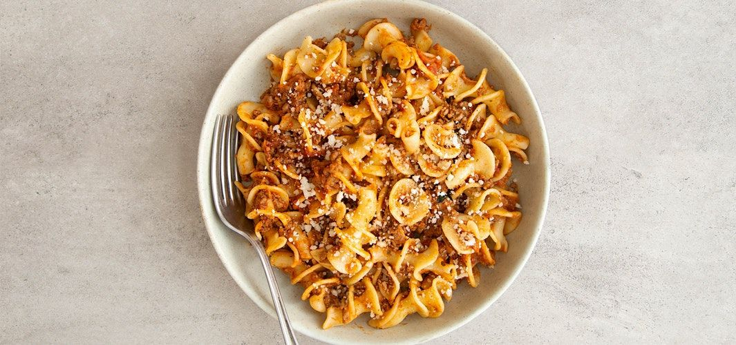 Pasta with minced meat stew