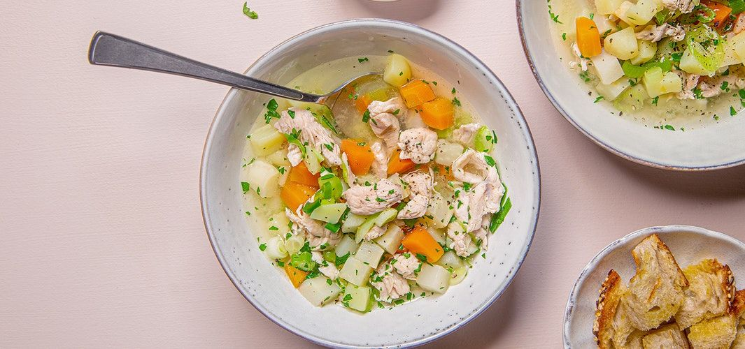 Quick chicken soup with ginger